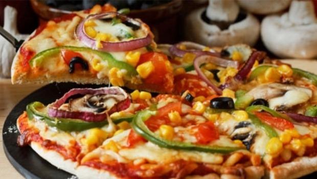 Пицца на тонком листе