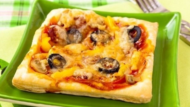 Как сделать пиццу из слоеного теста